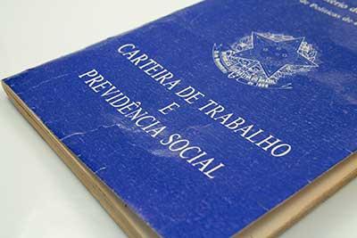 Brasileiros que moram fora do Brasil podem sacar o FGTS Inativo